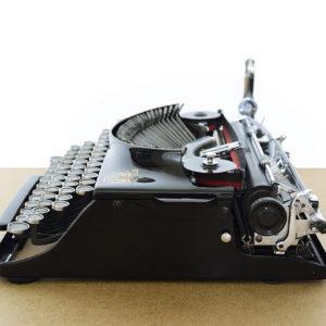 qzerty-restauratori-di-macchine-per-scrivere-brivio-lecco-gallery-3