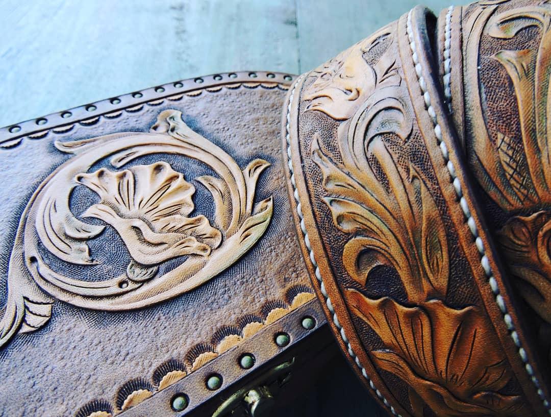 sos-leather-art-pellettieri-caprese-michelangelo-arezzo-thumbnail