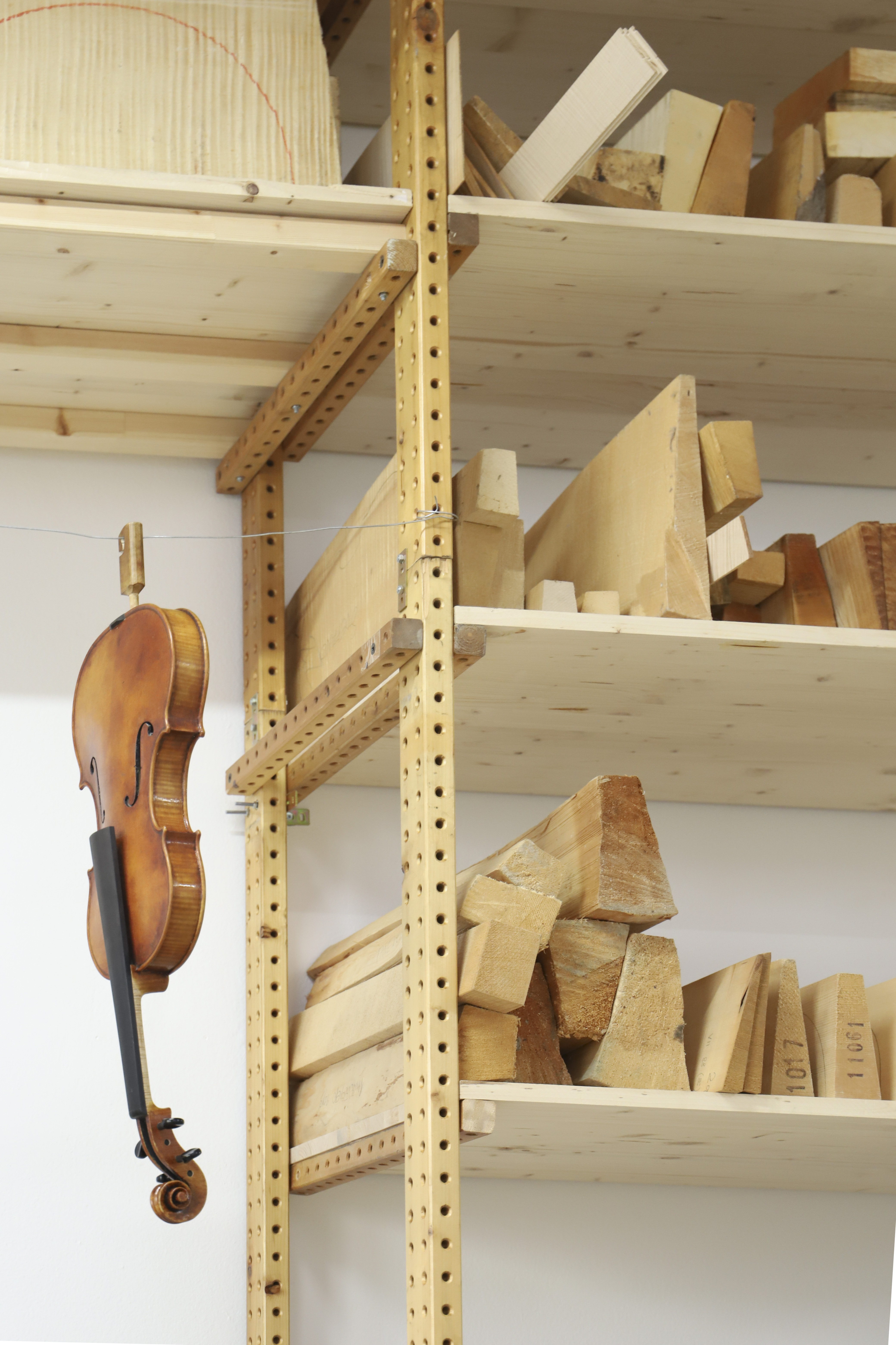 stefano-bertoli-luthier-milan-thumbnail