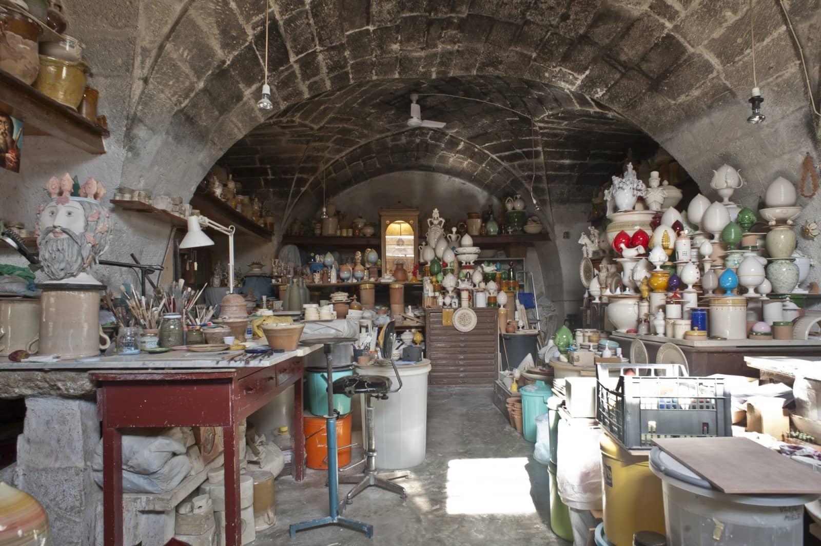bottega-vestita-ceramists-grottaglie-taranto-thumbnail