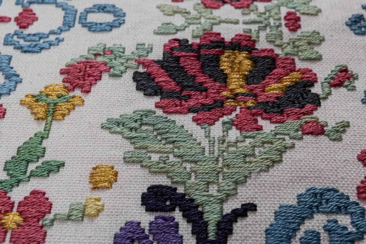 cooperativa-artigiana-su-trobasciu-weavers-and-fabric-decorators-mogoro-oristano-thumbnail
