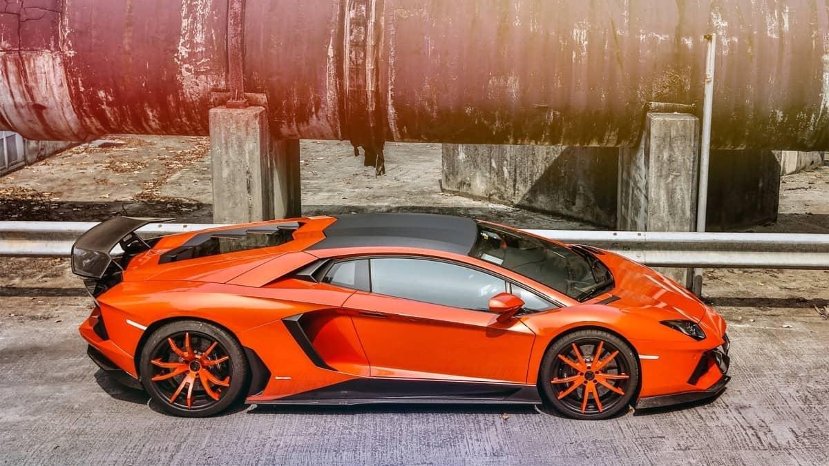 romeo-ferraris-car-manufacturers-opera-milano-thumbnail
